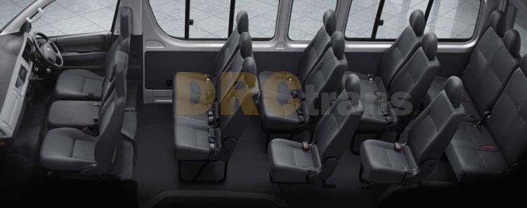 Cabin Toyota HiAce Commuter yang luas dengan jumlah 16 kursi penumpang